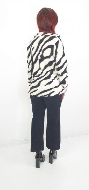 chaqueta fieltro cebra